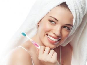 10 основных причин, по которым крайне необходимо чистить зубы перед сном