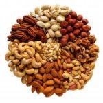 Названы орехи, которые подавляют рак груди - врачи