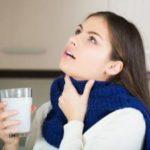Как правильно полоскать горло при фарингите?